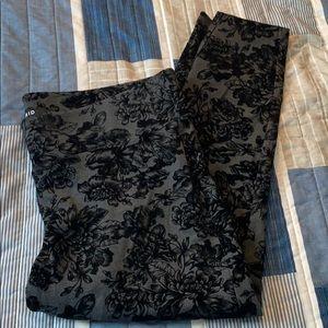 NWOT Torrid studio ponte grey floral pixie pant